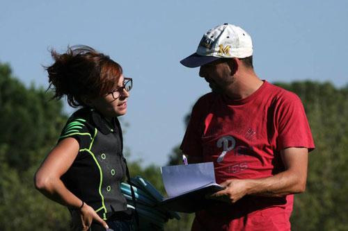 Fernando con Andrea durante una clase